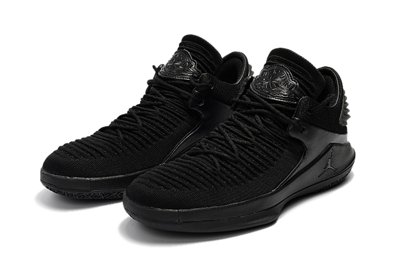 Jordans XXXII Low Black Cat Shoes
