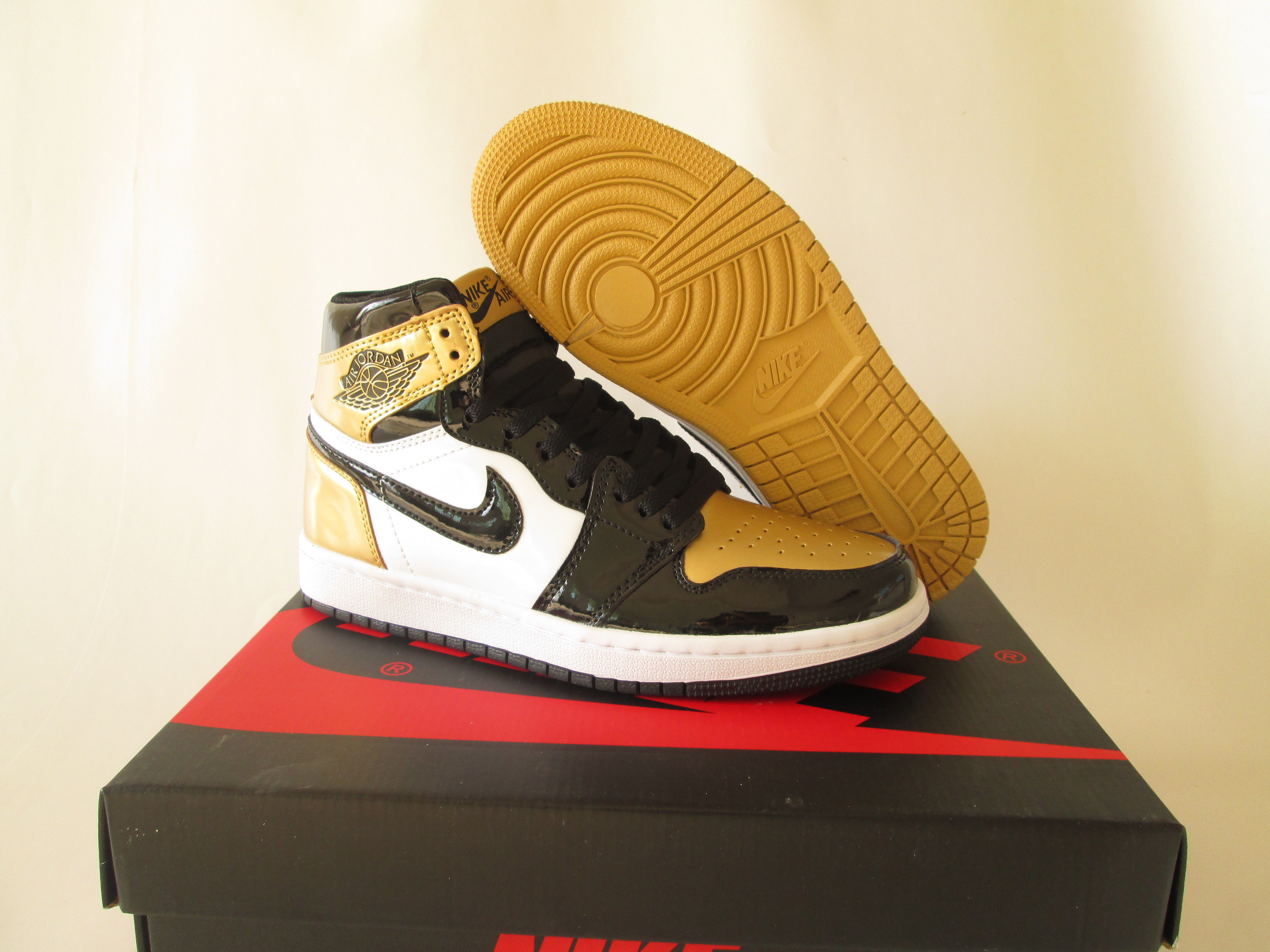 New Air Jordan 1 Mandarin Duck Black Gold White Shoes